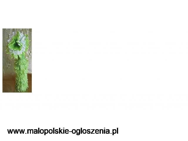 Wazonik seledynowy z kwiatem